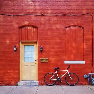 Tasas de interés y desarrollo inmobiliario